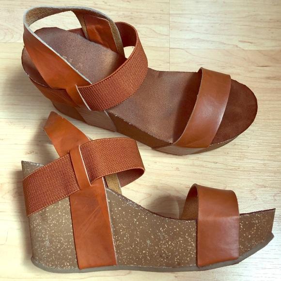 752f0a28ae1 Mia Java Wedge Platform Sandals 💕. M 5b536ac8c2e88e022e5dc657